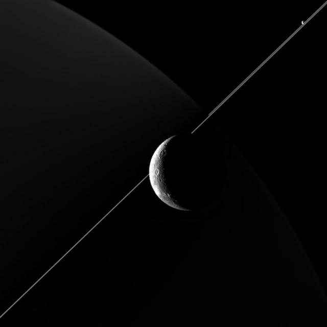 Photo by NASA/JPL-Caltech/Space Science Institute