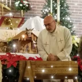 a few moments at the manger